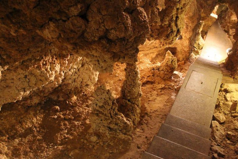 Cave Walk 6